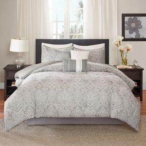 Madison Park Averly 7-pc Comforter Set.